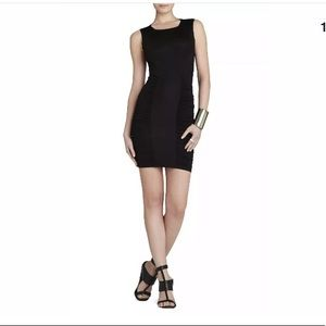 BCBG MAXAZRIA BLACK SIDE RUCHED CENTER  DRESS xs